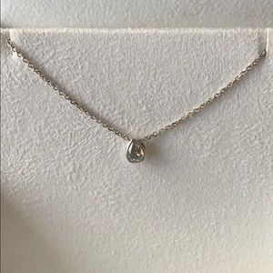 Jewelry - Timeless solitaire diamond necklace